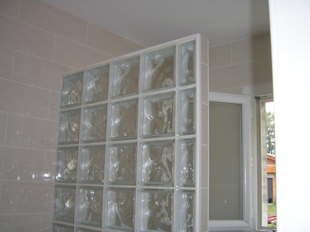 Hauteur carrelage salle de bain galerie d 39 inspiration - Pave de verre salle de bain ...